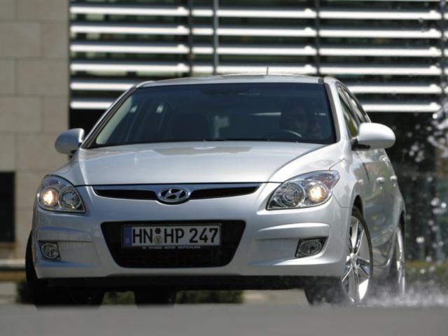 Autoesittely Hyundai i30 2008