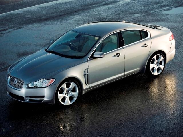 Autoesittely Jaguar XF 2008