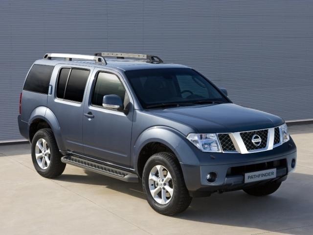 Autoesittely Nissan Pathfinder 2009