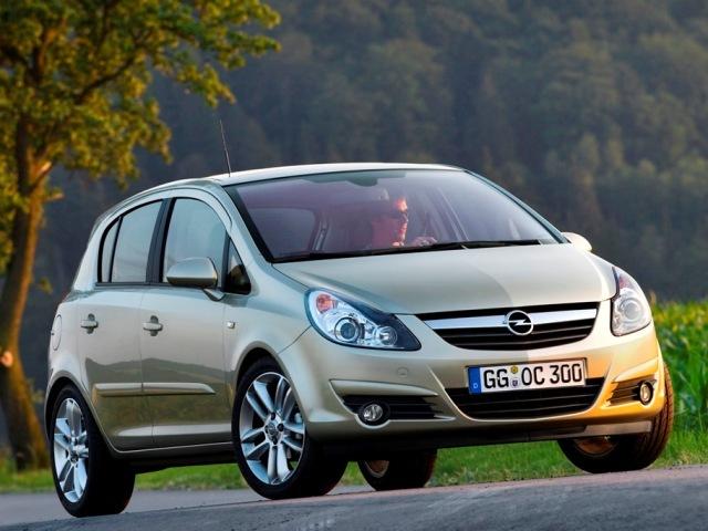 Autoesittely Opel Corsa 2006