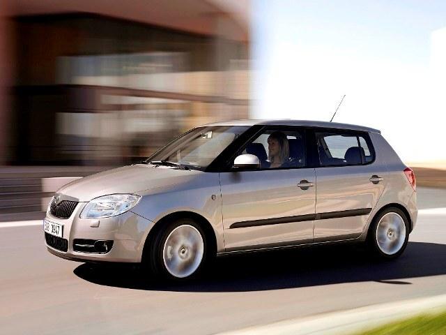 Autoesittely Skoda Fabia 2007-2008