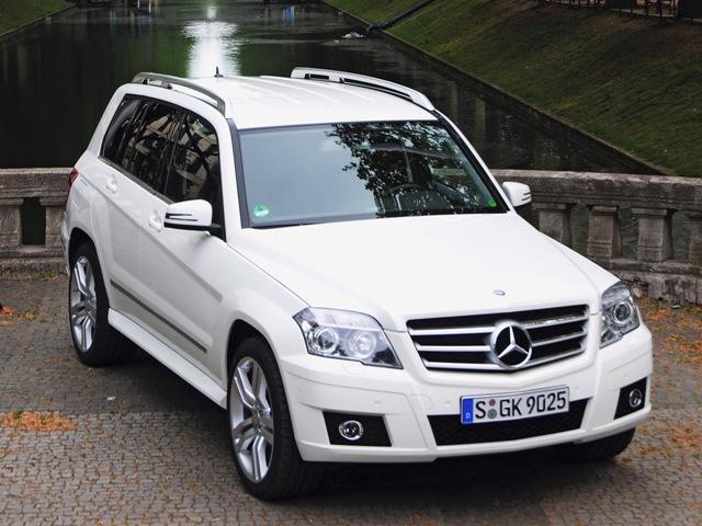 Autoesittely Mercedes-Benz GLK 2008-2011