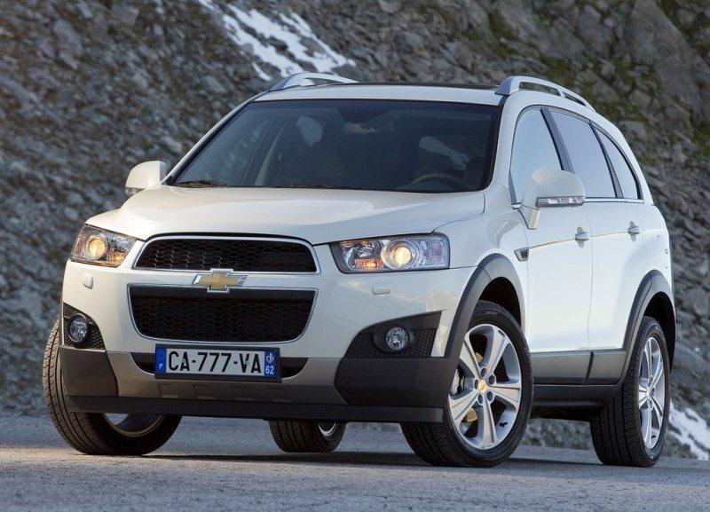 Autoesittely Chevrolet Captiva 2012