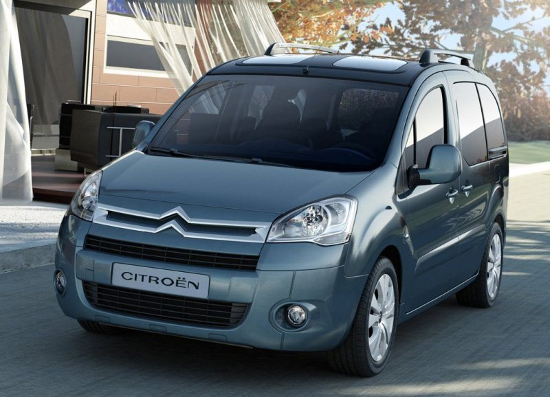 Autoesittely Citroen Berlingo 2012