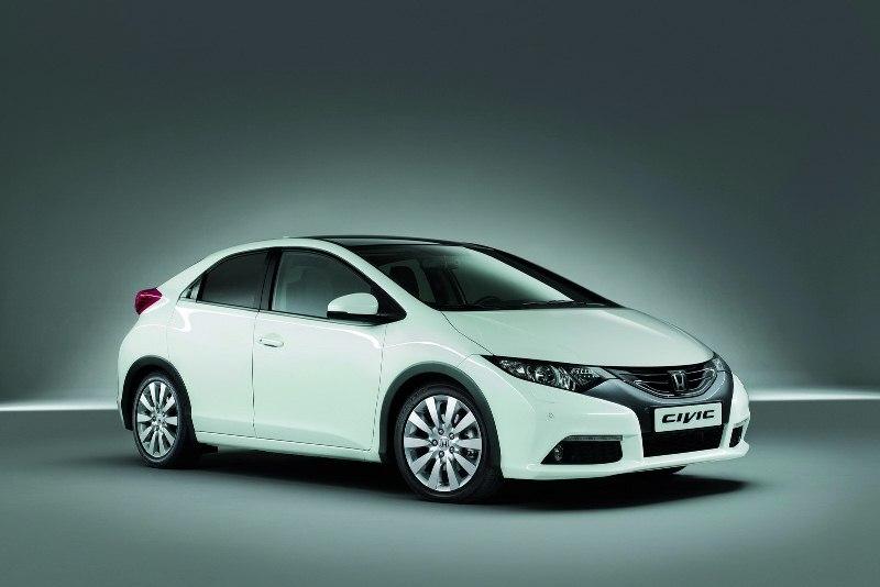 Autoesittely Honda Civic 2012