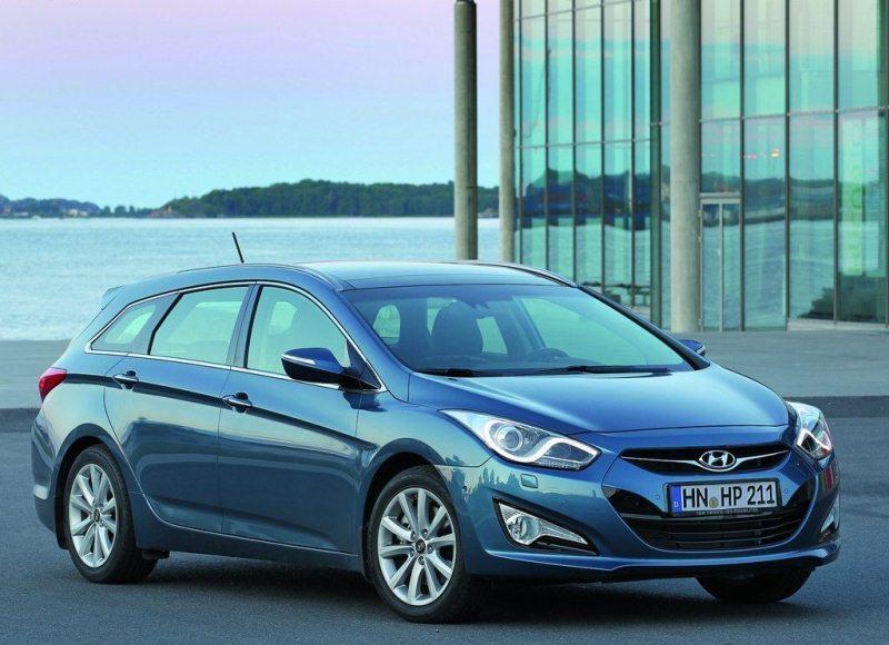 Autoesittely Hyundai i40 2012