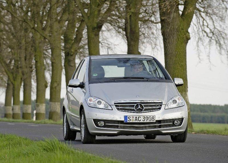 Autoesittely Mercedes-Benz A-sarja 2008-2009