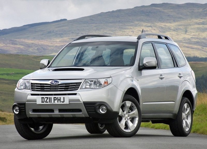 Autoesittely Subaru Forester 2012