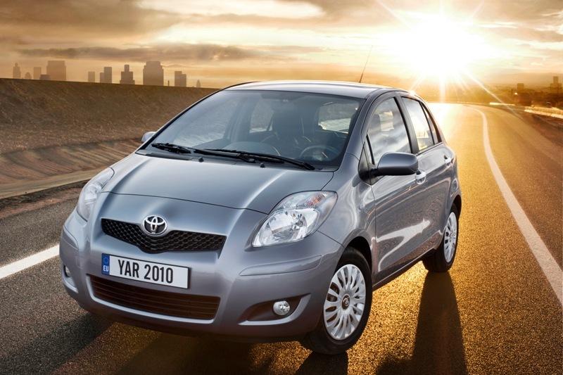 Autoesittely Toyota Yaris 2010-2011