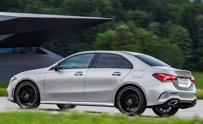 Mercedes-Benzin A-sarjasta myös sedan