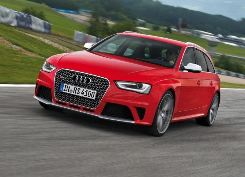 Autoesittely Audi RS 4 Avant 2013