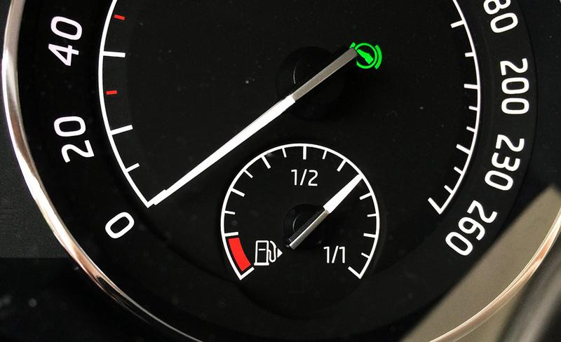 Tällaisia käytettyjä autoja suomalaiset ostavat ulkomailta – dieselin osuus edelleen suuri