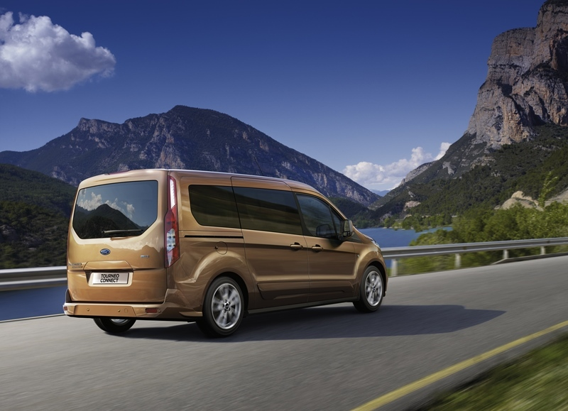 Autoesittely Ford Tourneo Connect 2013