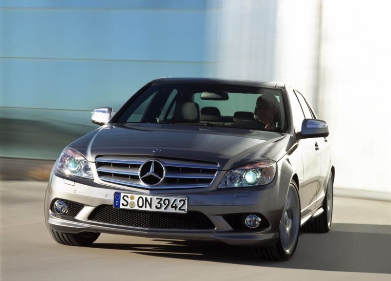 Autoesittely Mercedes-Benz C-sarja 2007-2011