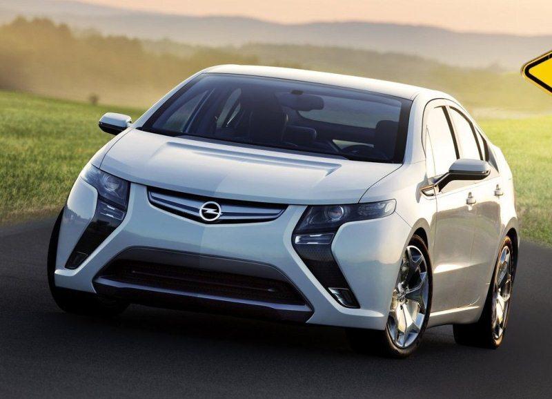 Autoesittely Opel Ampera 2012