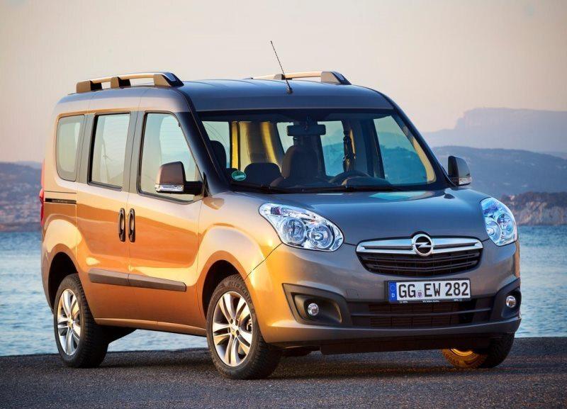 Autoesittely Opel Combo 2013