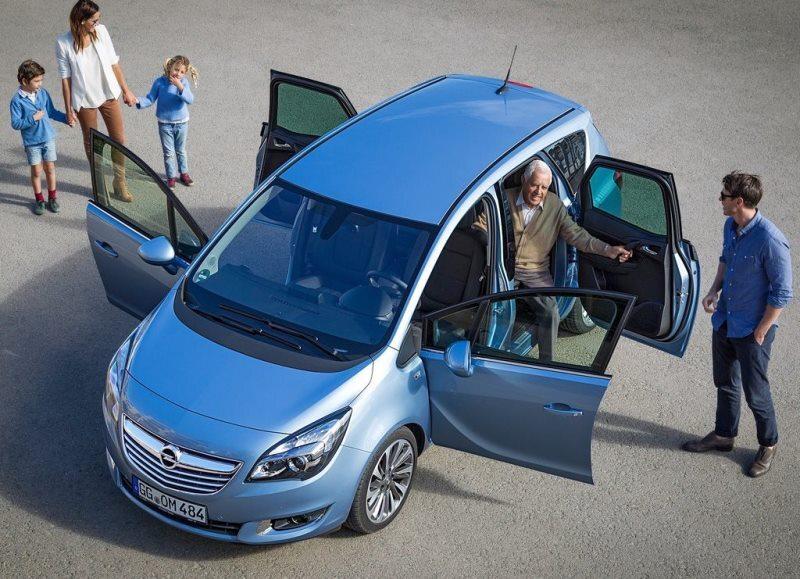 Autoesittely Opel Meriva 2014