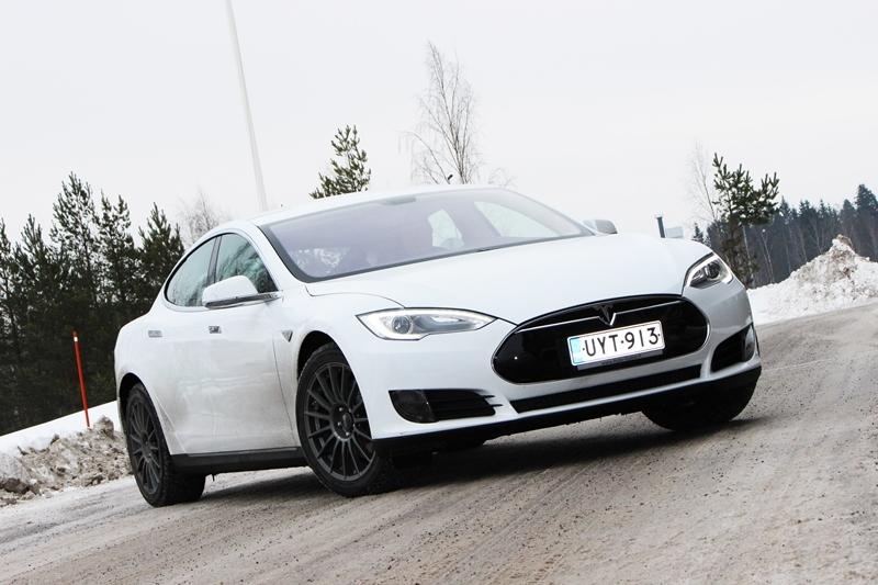 Koeajo Tesla Model S 60 kWh 2014