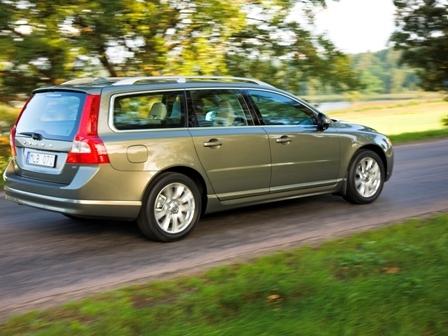 Autoarvio: Koeajossa Volvo V70 D5 Summum Aut.
