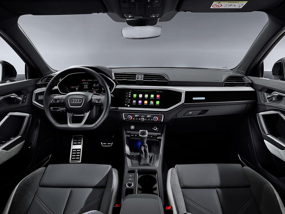 Audi Q3 SPortback ohjaamo