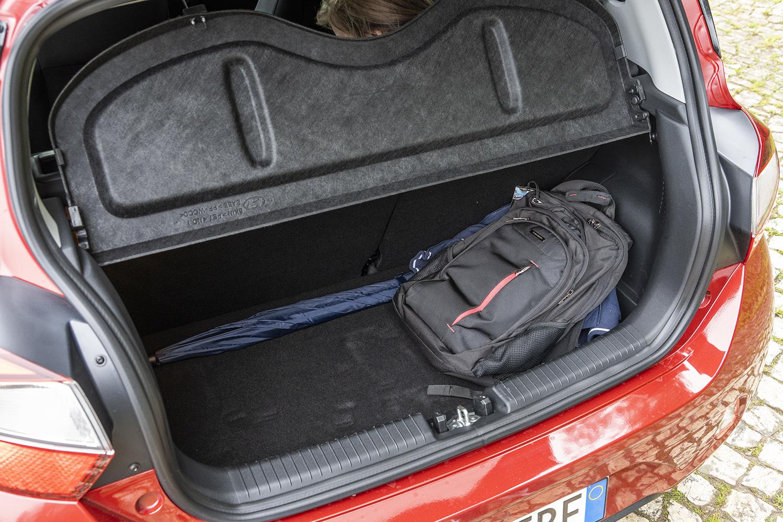 Hyundai i10 tavaratila 252 litraa