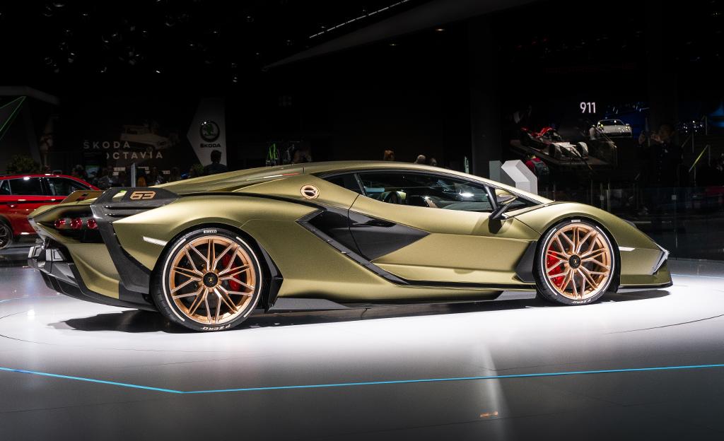 Lamborghini Sian maksaa noin 3,4 miljoonaa euroa