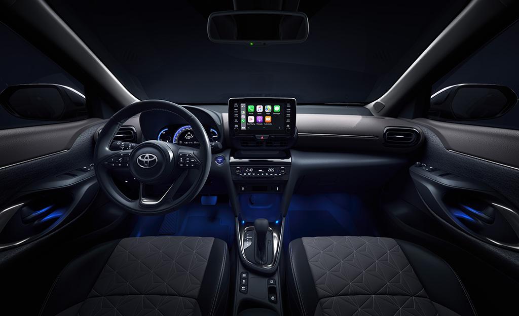 Toyota Yaris Cross ohjaamo