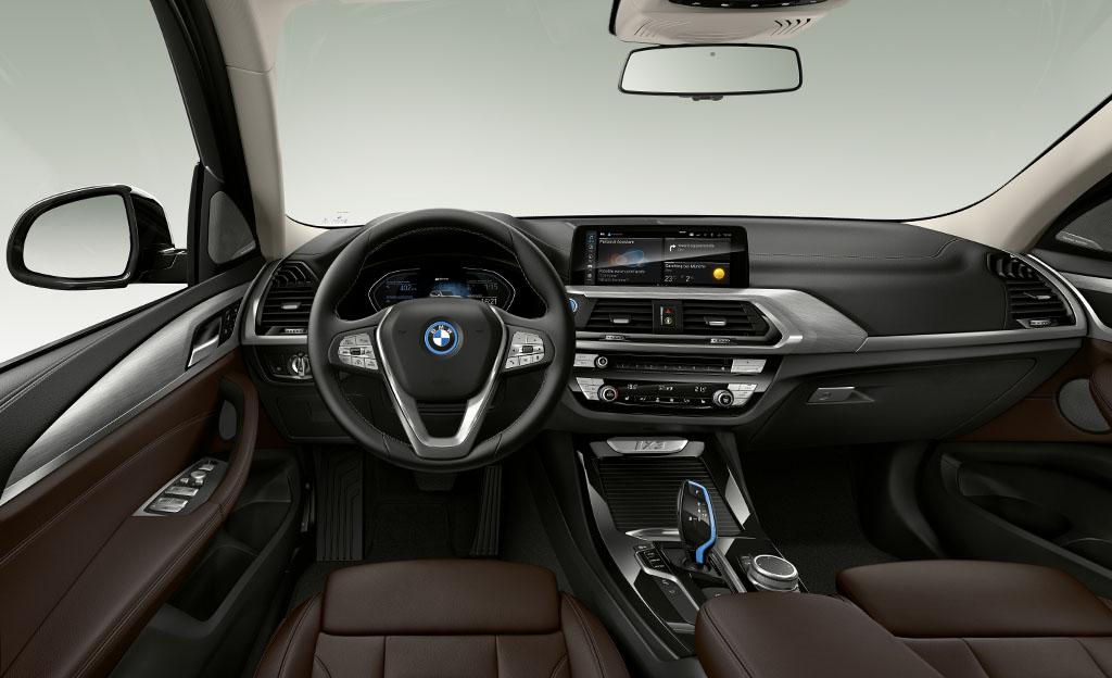 BMW iX3 ohjaamo