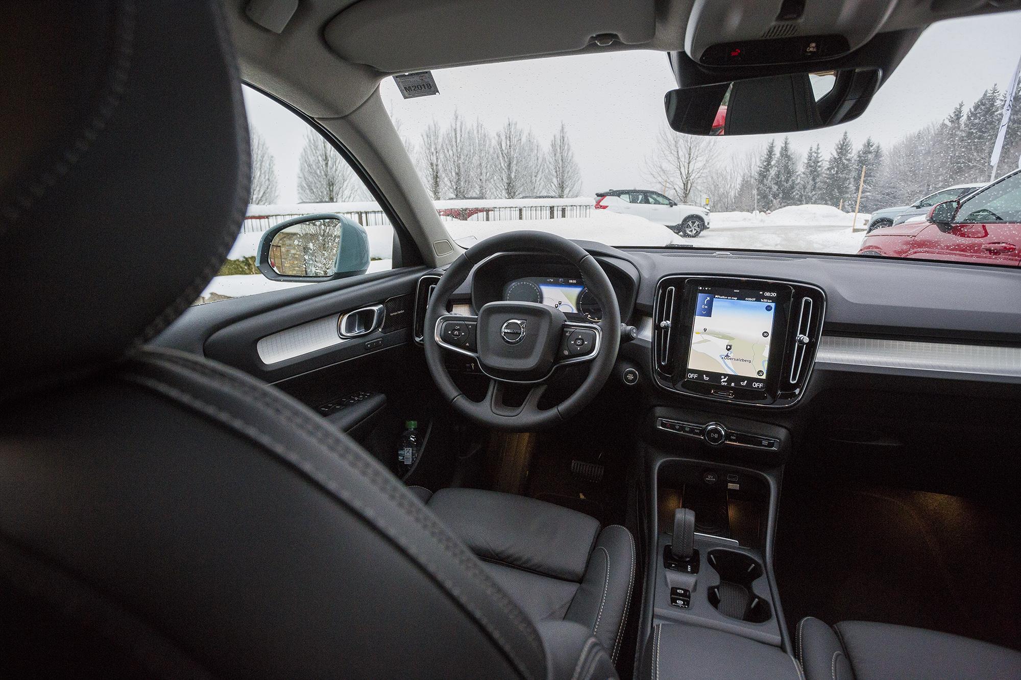 Volvo XC40 ohjaamo
