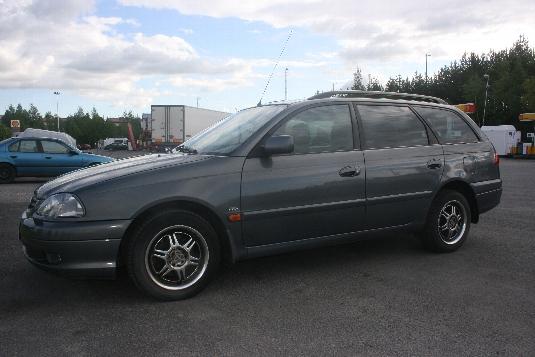 Myydään Toyota Avensis 2003, Tampere (FFT-382)